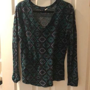 Tops - Long sleeve patterned T